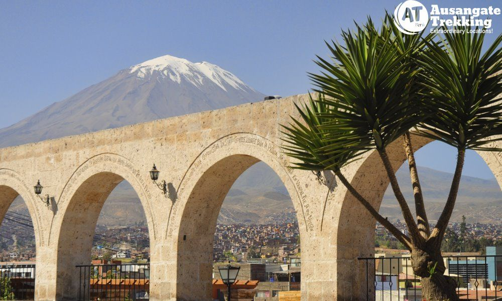 City Tour Arequipa Full Day - A large white building - Colca Canyon